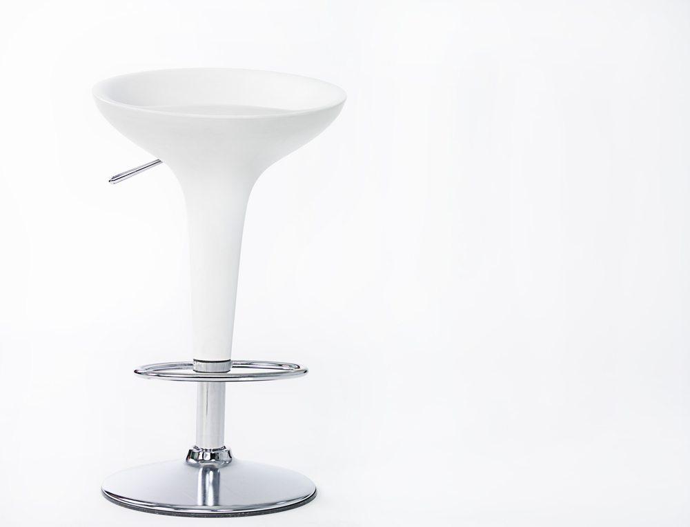 Bar-Stuhl-Leonid and Anna Dedukh-Shutterstock.com