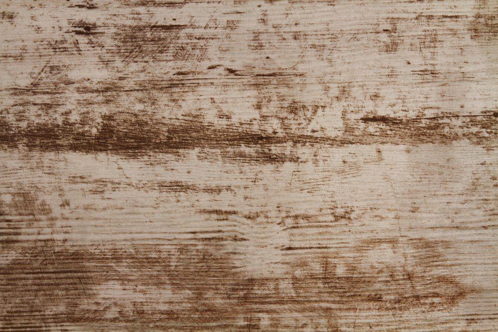 Holz-unbehandelt-Vladimir-Prusakov-Shutterstock.com