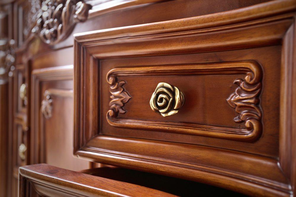 Zustand der Möbel ist von hoher Bedeutung. (Bild: zhu difeng / Shutterstock.com)