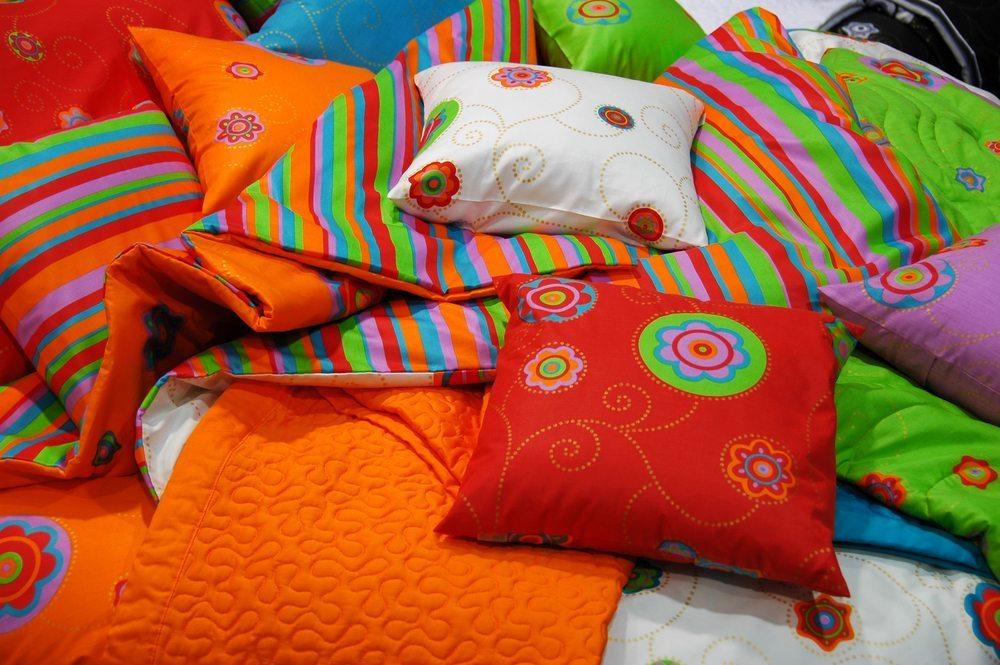 Holen Sie sich die farbenprächtige Welt Indiens nach Hause. (Bild: Blaz Kure / Shutterstock.com)