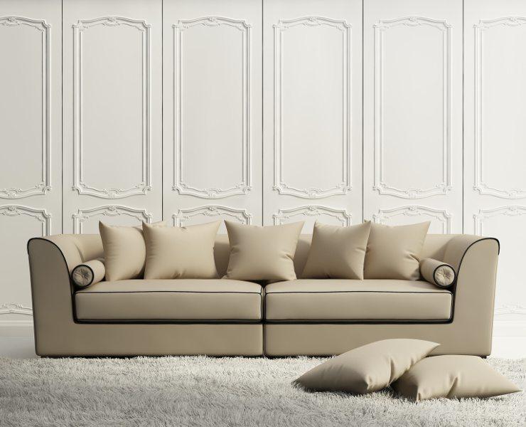 Ein schickes Sofa schmückt den Raum. (Bild: © Mihalis A. - Fotolia.com)