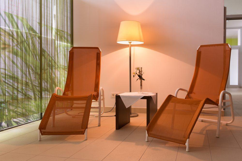 Die Récamière ist ein Möbel zum Relaxen und Entspannen. (Bild: ASchindl / Shutterstock.com)