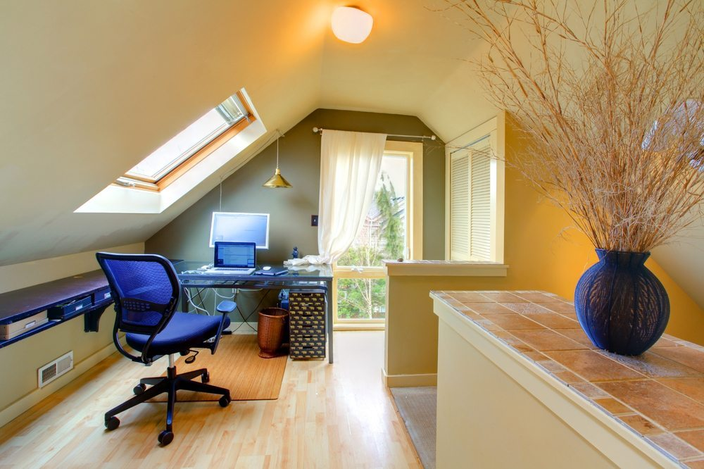 Home Office. (Bild: Iriana Shiyan / Shutterstock.com)