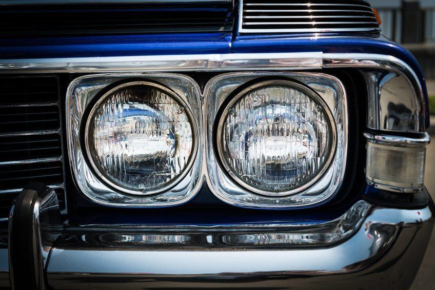 Eine Oldtimer Versicherung schützt wertvolle Fahrzeuge. (Bild: © eevl - Fotolia.com)