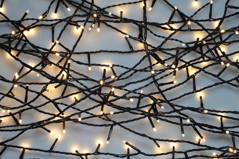 Weihnachten benutzt der Lichtregisseur LED-Schläuche für tolle Ideen bei wenig Stromverbrauch. (Bild: Foto-Ruhrgebiet / Shutterstock.com)