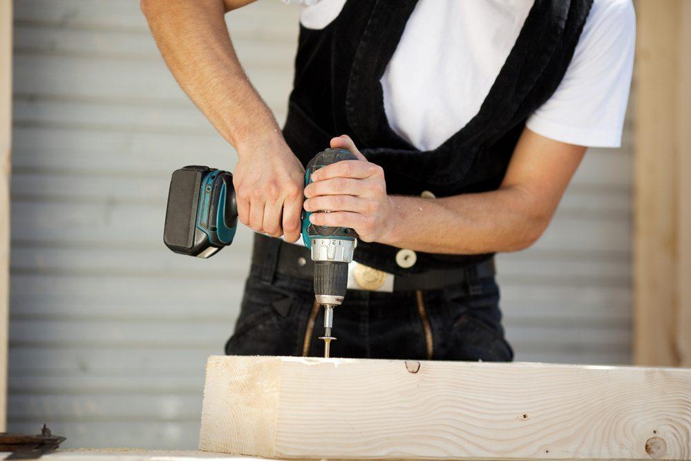 Akkuschrauber erfreuen sich nicht nur in Fachkreisen grosser Beliebtheit (Bild: © racorn - shutterstock.com)