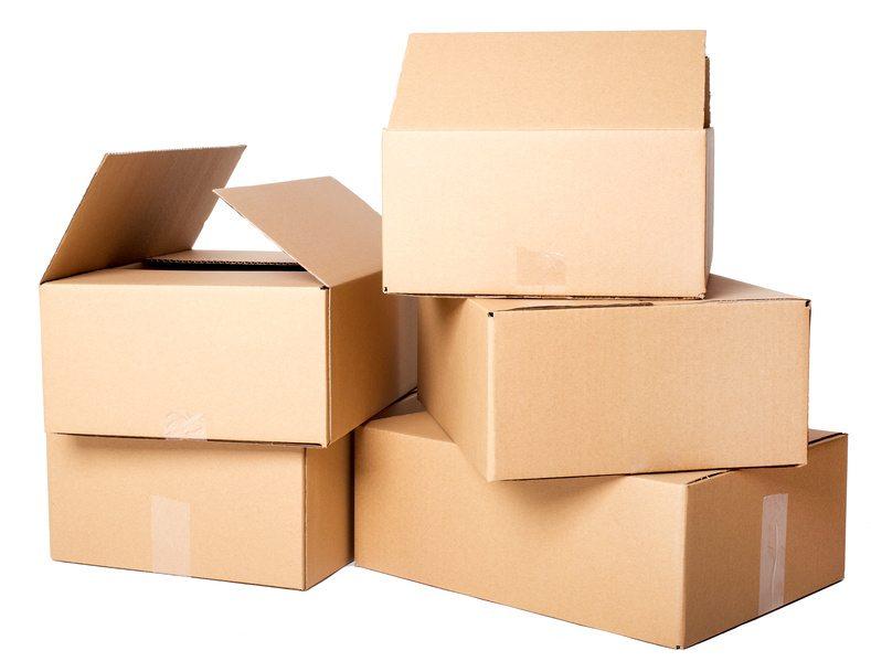 Wählen Sie die passenden Kartons für Ihren Umzug. (Quelle: © Yeko Photo Studio - Fotolia.com)