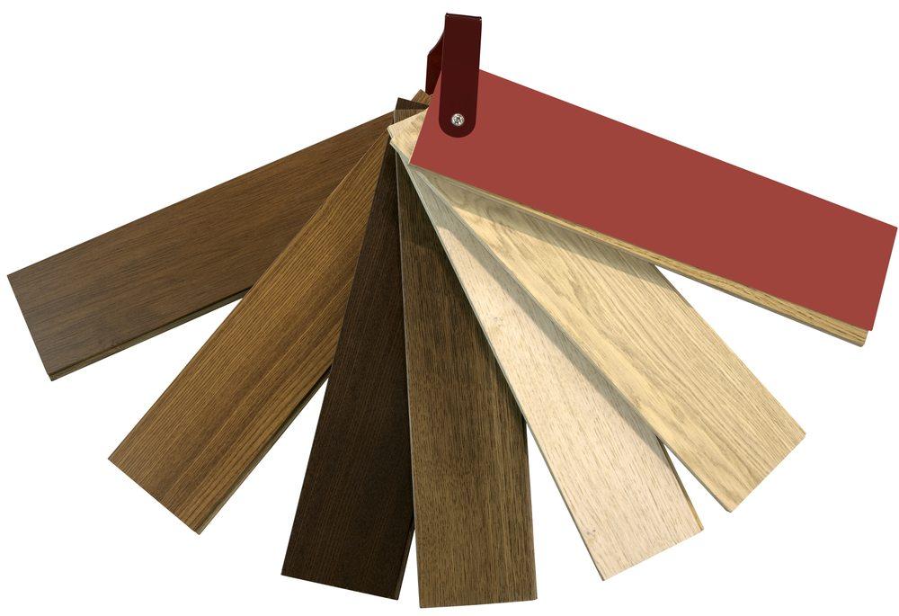 Die adhäsiven Folien gibt es in unzähligen Dekorvarianten (Bild: © Dario Sabljak - shutterstock.com)