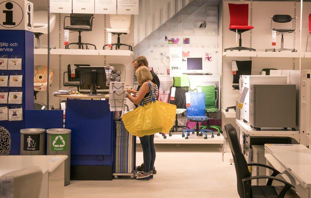 IKEA bietet interessante Linien für frische Einrichtungen. (Bild: Paolo Bona / Shutterstock.com)