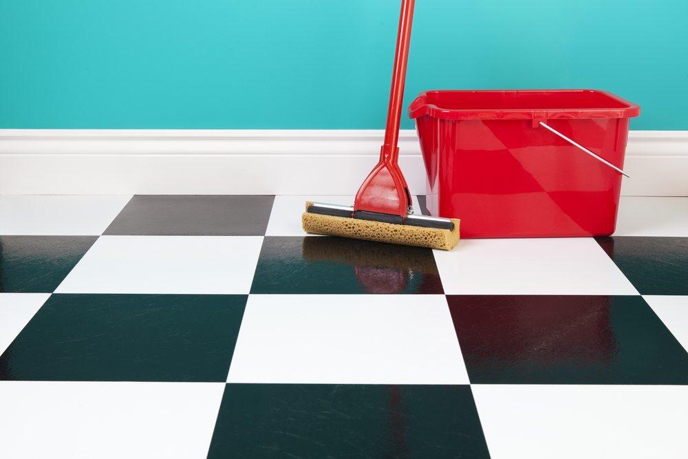 Wer Reinlichkeit übertreibt, schadet Umwelt und Gesundheit (Bild: © Brenda Carson - shutterstock.com)