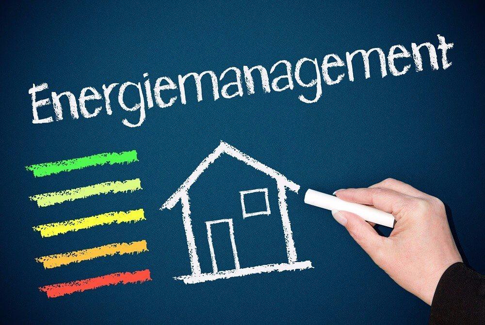 Mit einem Passiv- oder Niedrigenergiehaus kann man steigenden Energiekosten gelassen entgegenblicken. (Bild: © DOC RABE Media - fotolia.com)