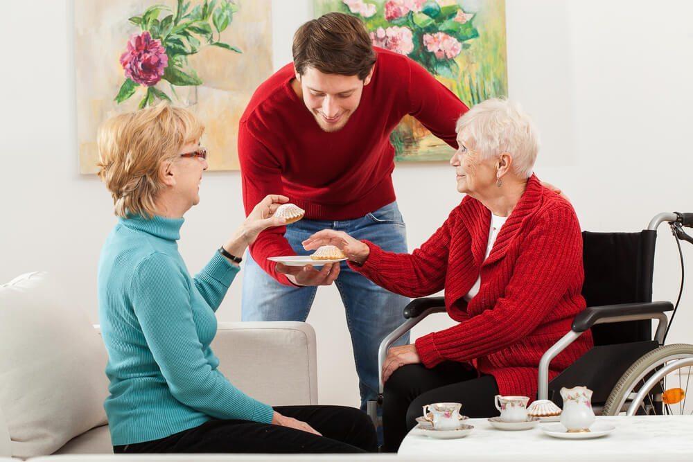 In den vier Wänden müssen sich Gäste willkommen fühlen. (Bild: © Photographee.eu - shutterstock.com)
