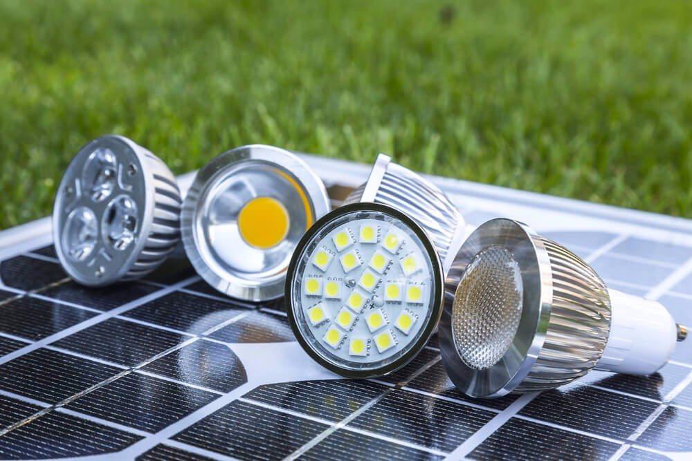 Bei der LED-Technologie wird kein Quecksilber benötigt. (Bild: © ludinko - shutterstock.com)