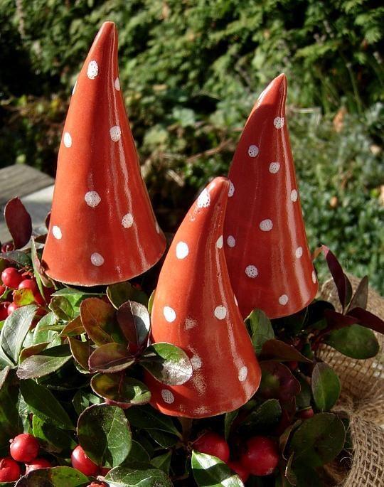 Wetter- bzw. Winterfestigkeit garantiert lange Freude an Ihren Keramik-Objekten. (Bild: © Landhausidyll-Gartenkeramik.de)