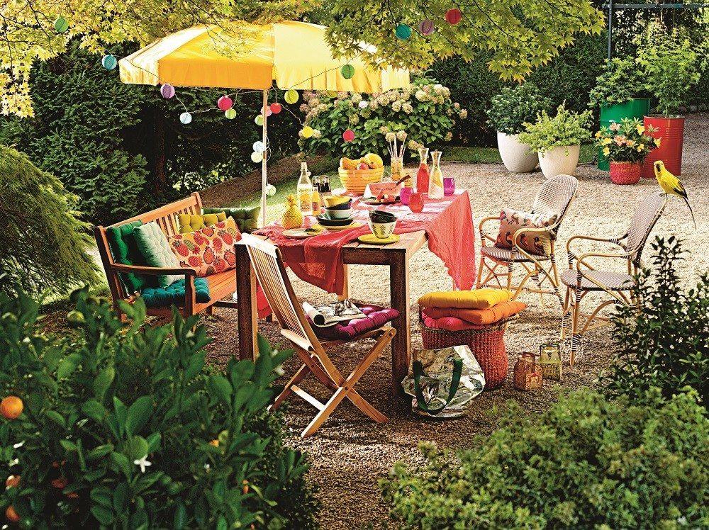 Weil die Sommerzeit vor allem auch Geselligkeit und gemeinsames Essen, Trinken und Feiern bedeutet, wird Tischkultur bei Interio gross geschrieben.
