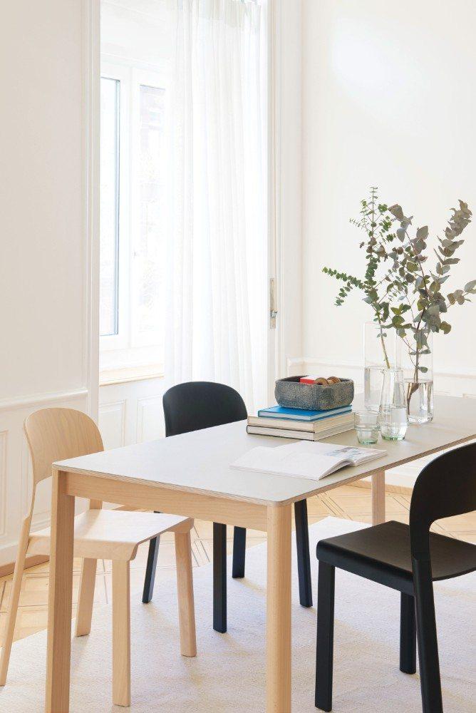 Nordisch wohnen mit Tisch und Stuhl Juppa