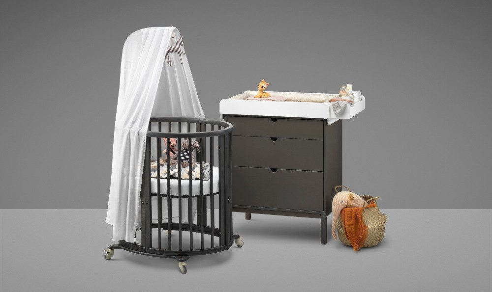 das perfekte erste bett f rs baby. Black Bedroom Furniture Sets. Home Design Ideas