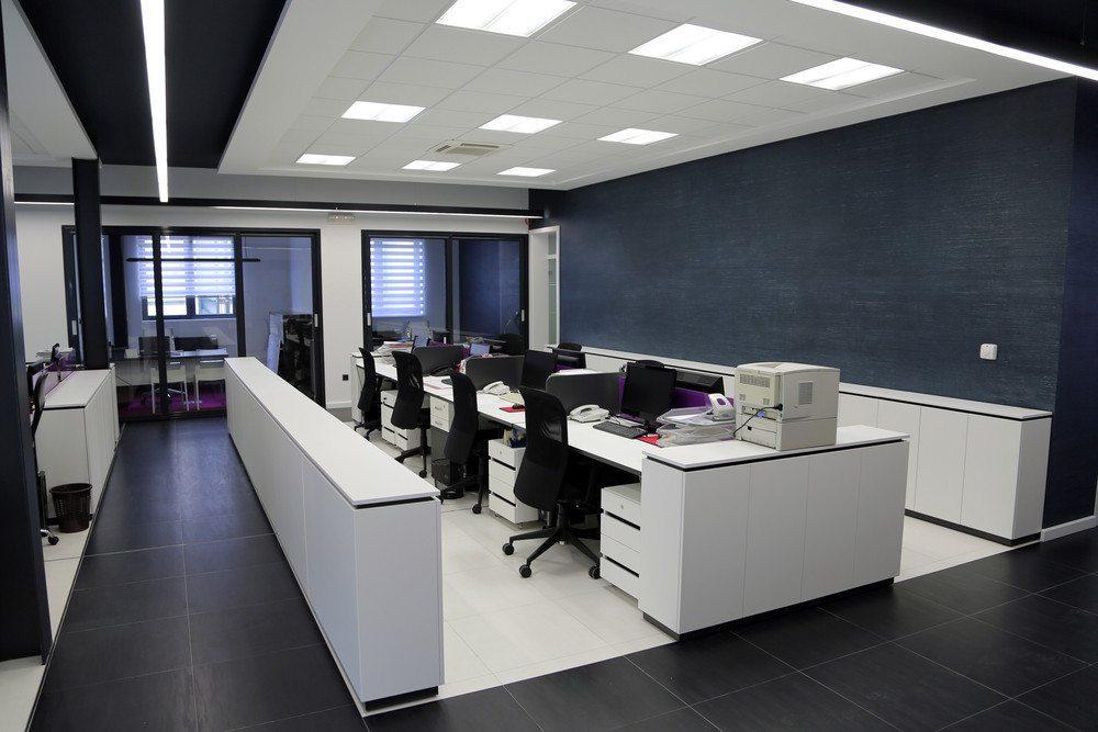 Gerade am Arbeitsplatz ist eine ausreichende Beleuchtung wichtig.