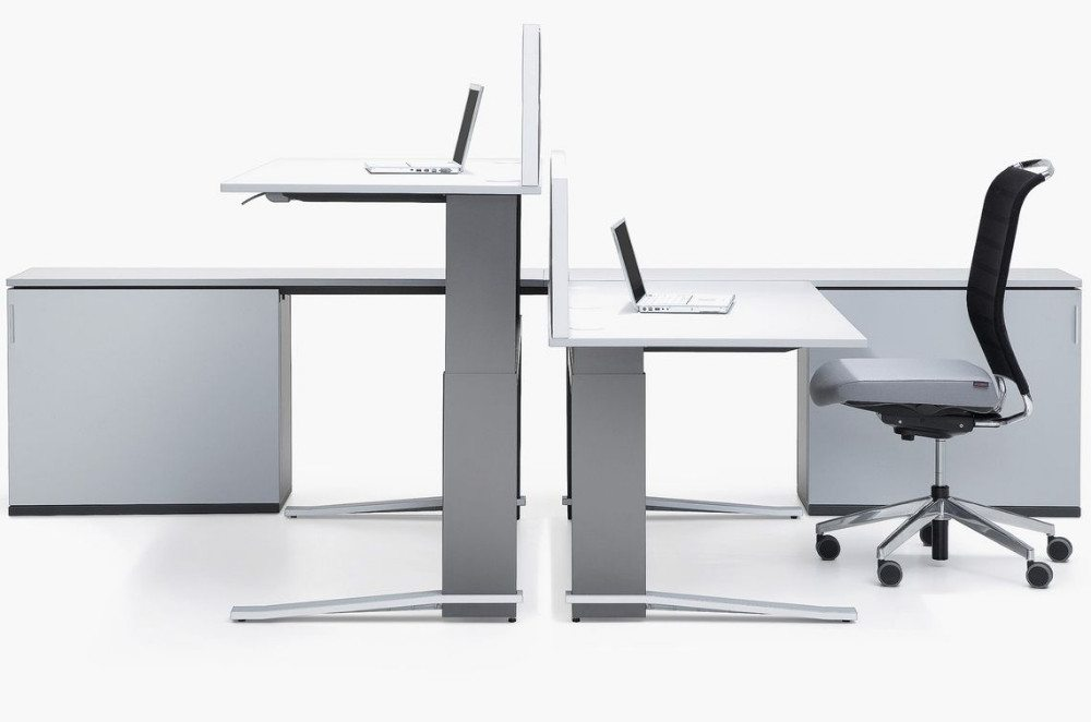 wohnzimmer bar coburg:Clevere Büromöbel: manuell höhenverstellbare Schreibtische