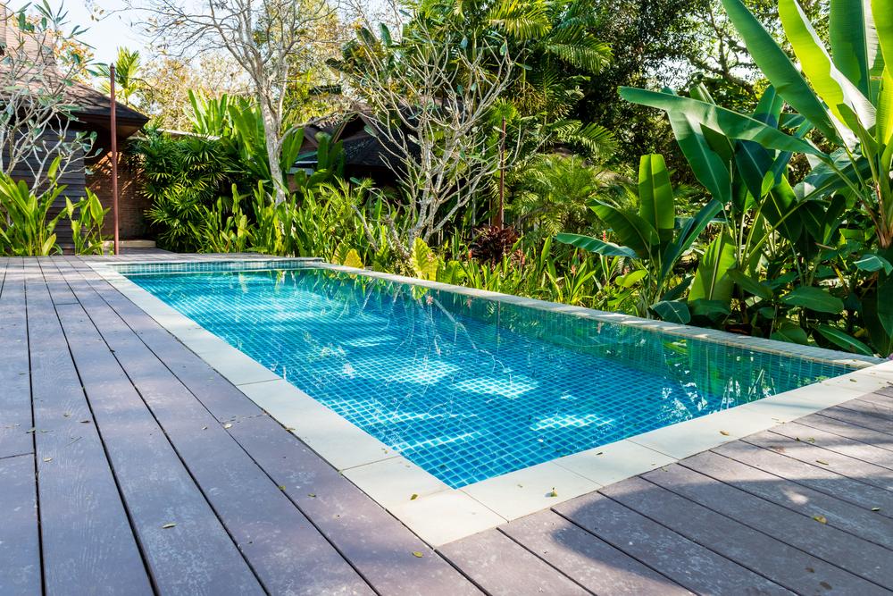Ein gepflegter Pool verheisst viel Spass. (Bild: bouybin - shutterstock.com)