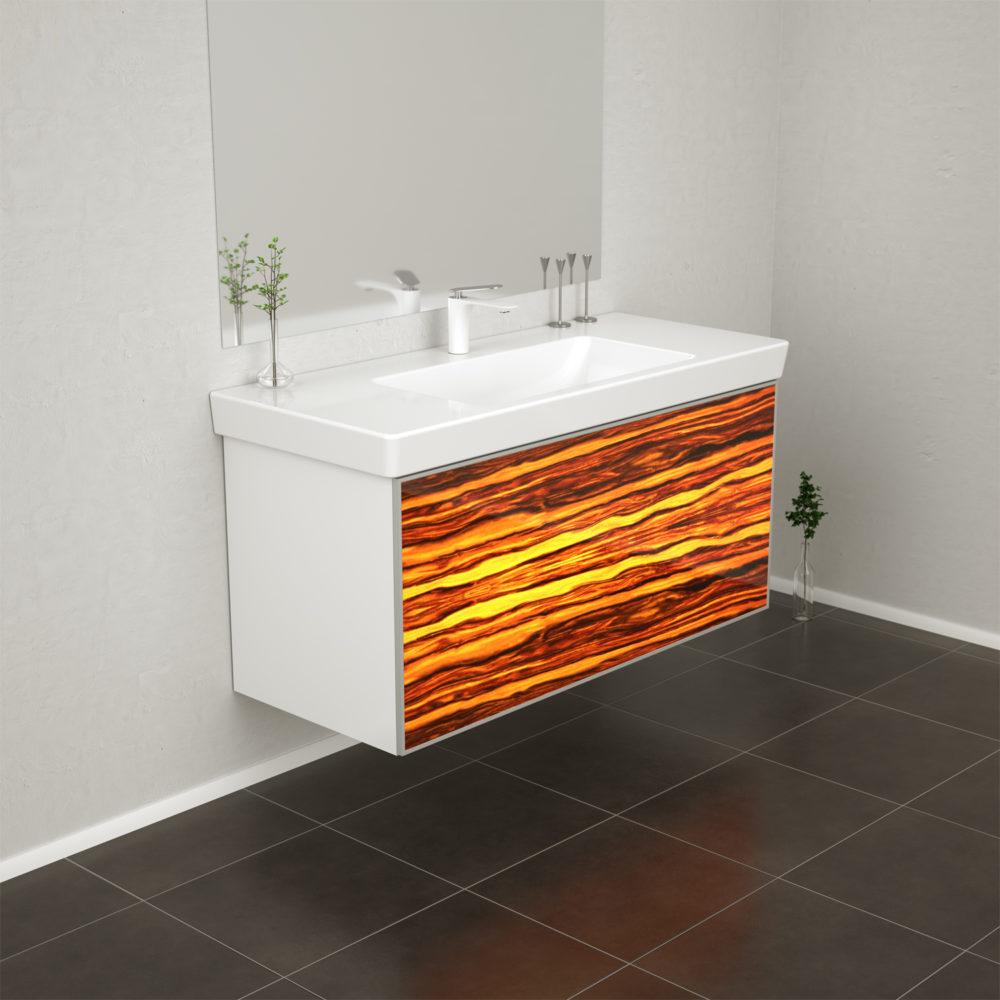 Das Laminieren von Holz hinter Glas macht die Furnierleuchten witterungsbeständig, sodass sie auch für Badezimmermöbel verwendet werden können.
